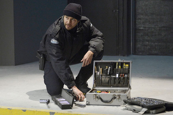 helix112g - Set a Trap with These New Photos and 5-Minute Clip from Helix Episode 1.12 - The Reaping