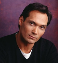 Jimmy Smits joins the case of Dexter!