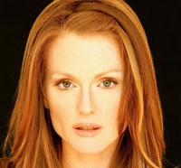 Julianne Moore to Play Carrie's Crazy Mother?