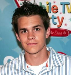 Johnny Simmons to star in Jennifer's Body