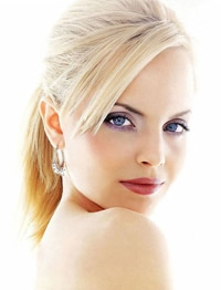 Mena Suvari will fight zombies. With clothes on, unfortunately