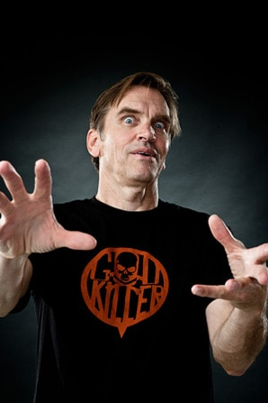 Bill Moseley Models Some Apparel from H8LA (click for larger image)