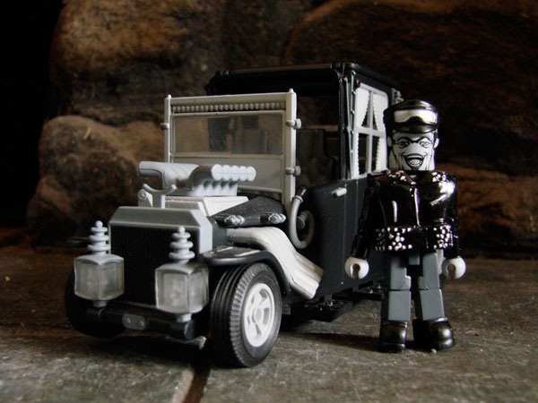 munsterminia - The Munsters Get Moving in New Minimates Koaches from Diamond Select