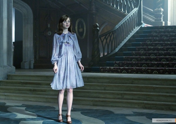New Dark Shadows Images Have a Bit of Red on Them