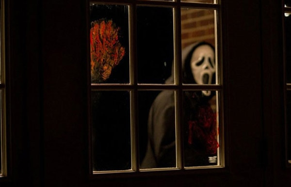 Finally! New Scream 4 Imagery Brings the Violence