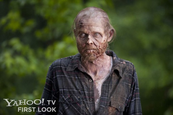 Three New Stills from The Walking Dead Episode 3: Walk with Me