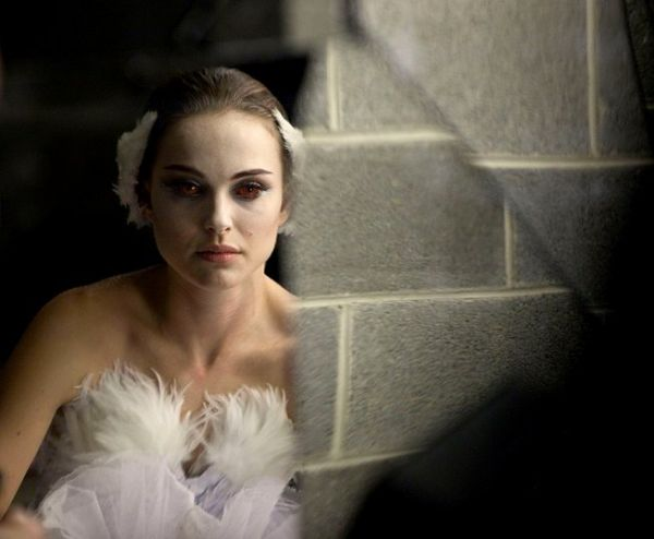 Natalie Portman's Burning Eyes Featured in Latest Black Swan Image