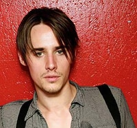 Broadway's Spider-Man, Reeve Carney, Lands Big Role in Showtime's Penny Dreadful