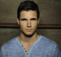 The CW Sets Robbie Amell as a Lead in its The Tomorrow People Pilot