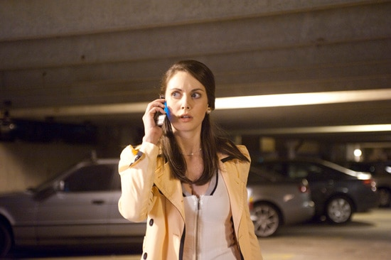 New Scream 4 Images Feature a Lot of Standing Around