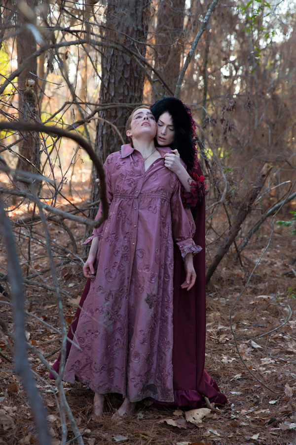 Hunt or Be Hunted by These Stills and Clips from Salem Ep. 1.06 - The Red Rose and the Briar