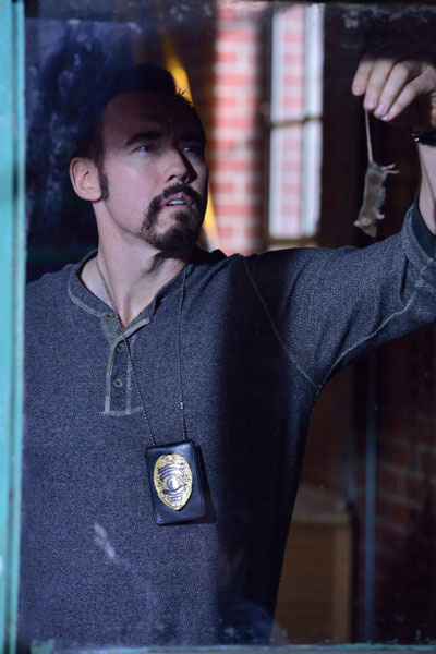 strain102i - Creepy New Promo and Stills from The Strain Episode 1.02 - The Box