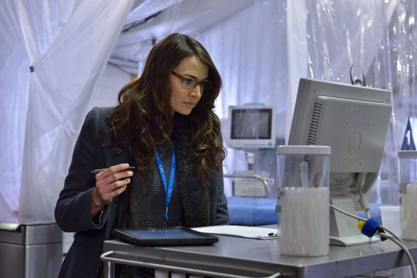 strain102j - Creepy New Promo and Stills from The Strain Episode 1.02 - The Box