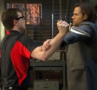 Sam Feels a Chill in this Sneak Peek of Supernatural Episode 9.14 - Captives