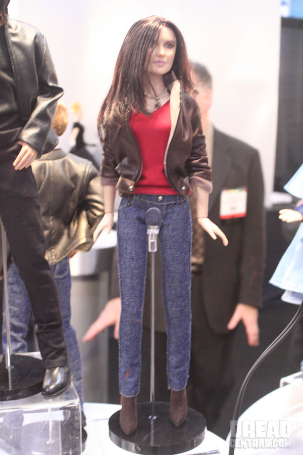 Toy Fair 2011: Tonner's NewTwilight Figures and The Vampire Diaries Figures First Look!