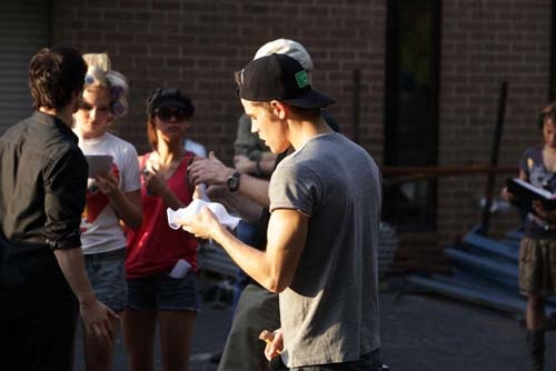 Go Behind the Scenes of The Vampire Diaries Episode 2 - Brave New World