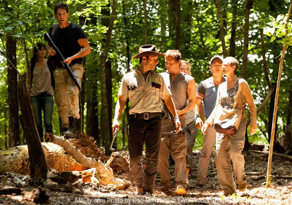 Some Sneak Peek Photos from The Walking Dead Episode 2.01
