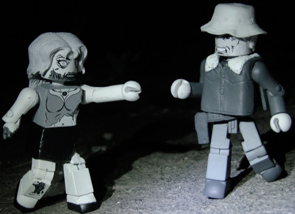 twdmini1 - Get an Exclusive The Walking Dead Minimates Two-Pack During the 2012 Halloween ComicFest
