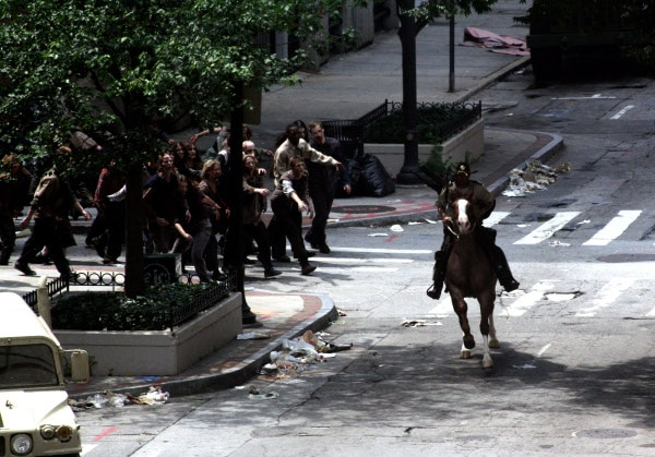 The Walking Dead: The Zombie Horde Attacks! New Images!