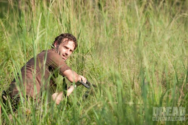 A Six Pack of New Images From The Walking Dead