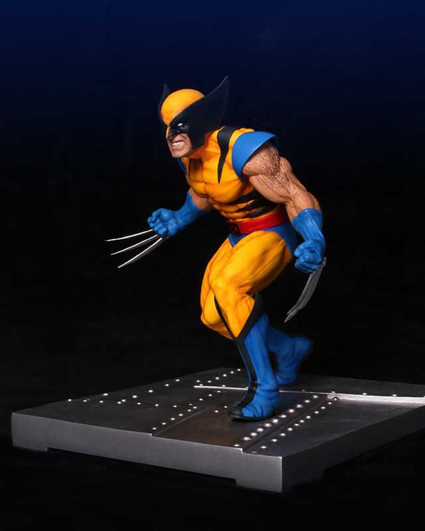 Gentle Giant's Wolverine Bookend