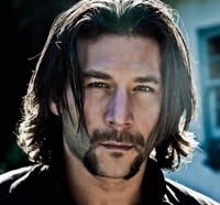 Zach McGowan Becomes a Gypsy Chief for Dracula